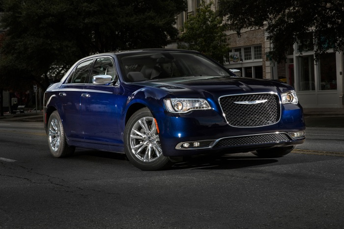 2017-chrysler-300c-front-three-quarter-01